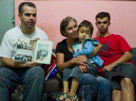 A família do garoto Rodrigo de Gasperi