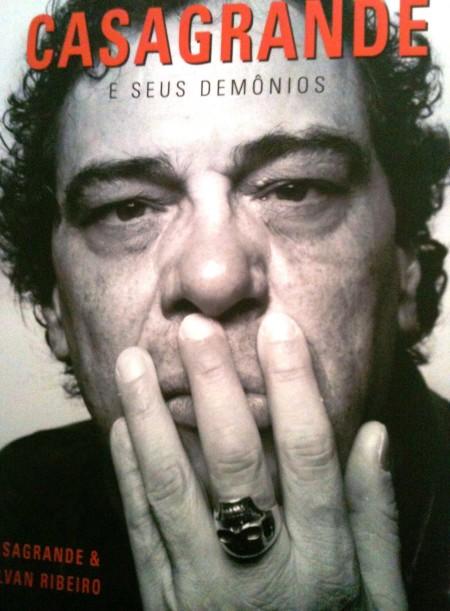 Neste livro, lido em 8 horas, Casagrande exorciza seus demônios