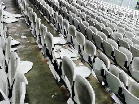 cadeiras_quebradas